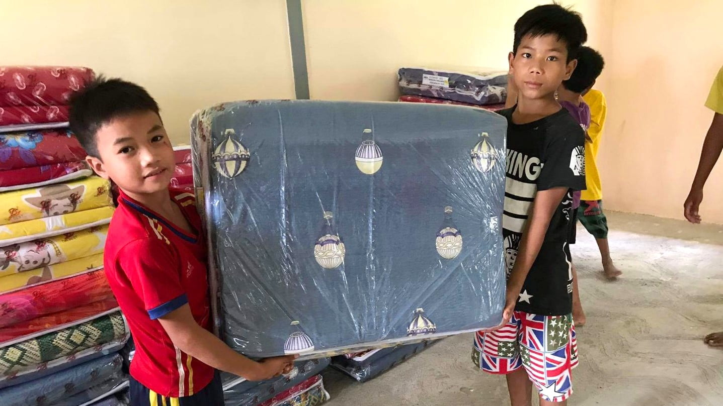 Lee's Donates Mattresses for Orphans 2